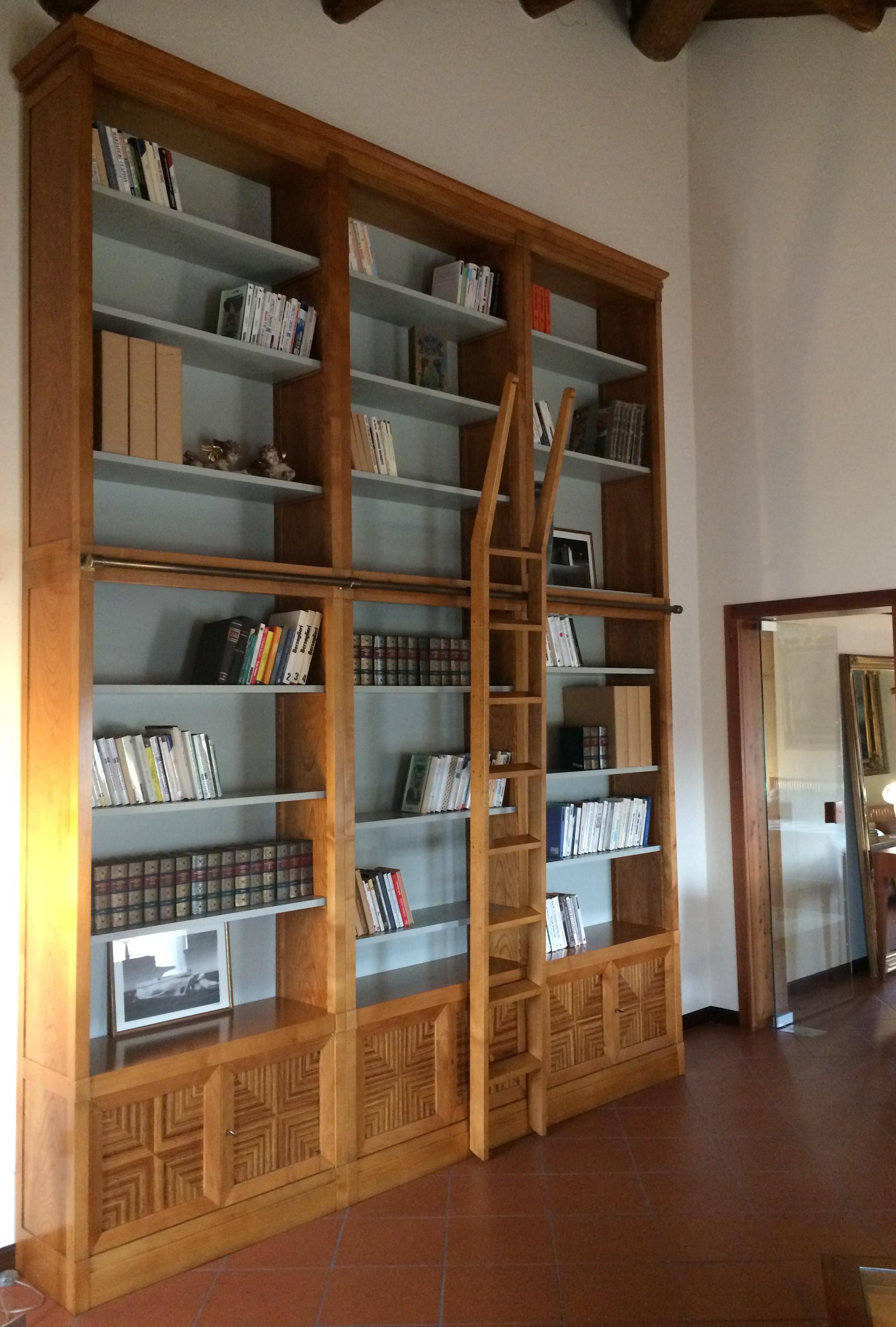 Morelato - High-Class Outlet - Libreria President